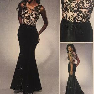 Beautiful pageant or prom gown. Size 4